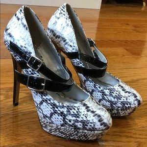 """5"""" Mary Jane Style Pumps"""